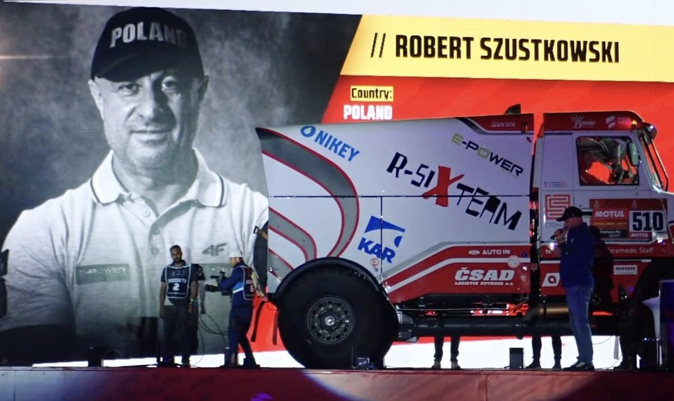 Robert Szutskowski at starting point of Dakar 2020