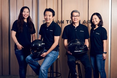 A helmet integrated with materials and communications modules meeting high-security standards as well as an AI-enabled voice assistant to provide a better riding experience for motorcycle riders.