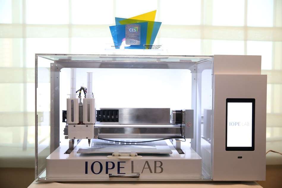 Amorepacific, Korea's leading beauty company, is presenting its 3D face mask printing system (IOPE Tailored 3D Mask) - a CES 2020 Innovation Award Honoree, at its Consumer Electronics Show 2020 (CES 2020) debut from January 7 to 10 in Las Vegas.