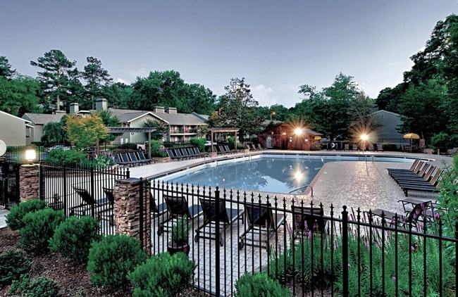 Located in Sandy Springs, the Lodge on the Chattahoochee apartments offer spacious residences in a beautiful natural setting close to nearby Universities as well as the Atlanta urban core.