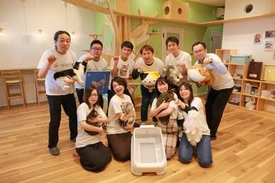 Team Hachi Tama celebrates the toletta® smart litter box.