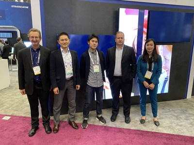 Chris Riegel, STRATACACHE CEO, pictured with Kyohei Hasegawa and Shinya Tokuhisa of Hakuhodo at NRF 2020: Retail's Big Show.