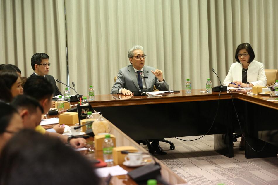 Thailand's Deputy Prime Minister Somkid Jatusripitak and Thailand Board of Investment's Secretary General Duangjai Asawachintachit speaking to reporters in Bangkok on 13 January 2020. (PRNewsfoto/Thailand Board of Investment (B)