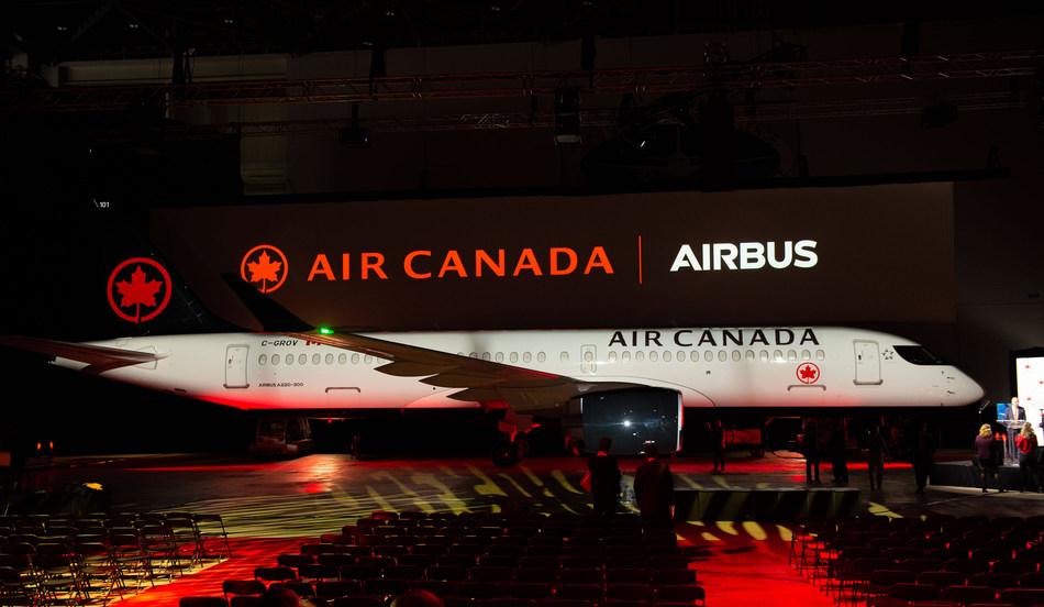 Air Canada accueille son premier A220 d'Airbus, nouvelle étape du programme de modernisation de son parc aérien (Groupe CNW/Air Canada)