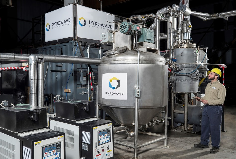 Pyrowave's molecular recycling allows an infinite recycling of numerous plastics as it brings plastics back to their native, virgin-like state. (CNW Group/Pyrowave)