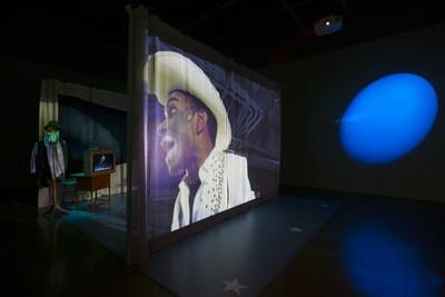 Edgar Arceneaux, Until, until, until... (vue d'installation), 2015-2017 (Groupe CNW/Musée d'art contemporain de Montréal)