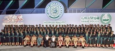 谢赫-哈姆丹王子殿下在毕业典礼上勉励第27批迪拜警察学院学员