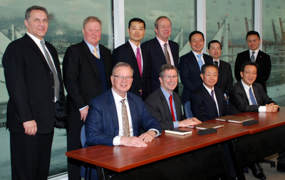 Pinnacle Renewable Energy senior representatives sign ship charter in the office of Hon. Bruce Ralston, Minister of Jobs, Trade and Technology. (CNW Group/Pinnacle Renewable Energy Inc.)