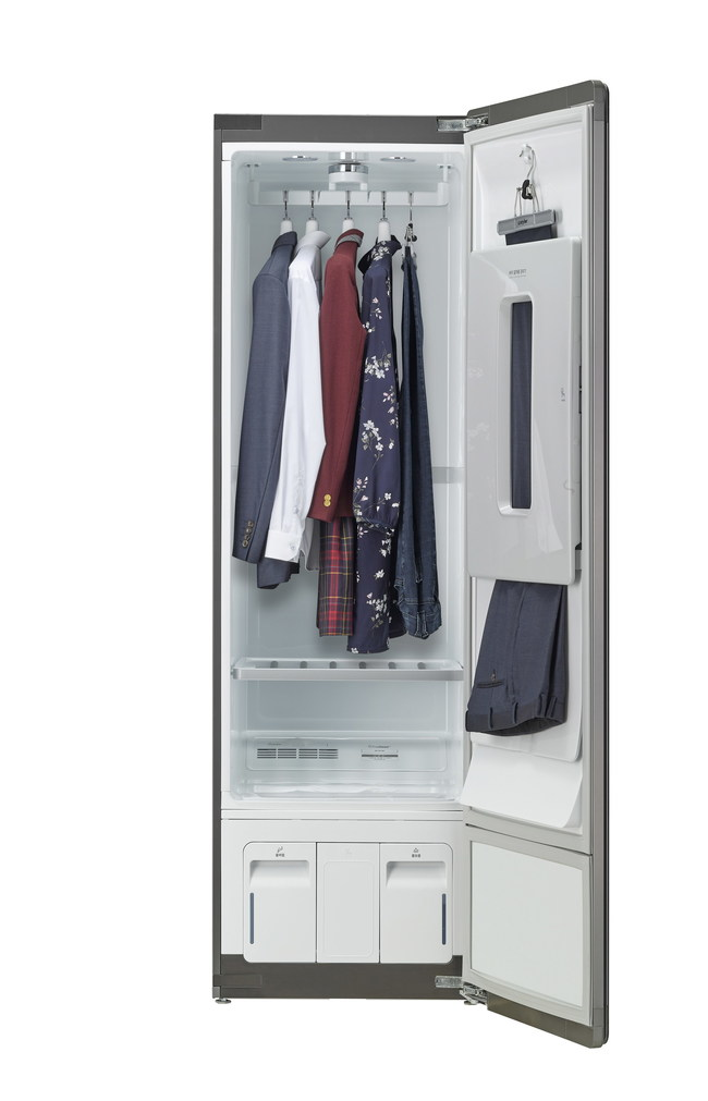 LG Styler is certified as asthma and allergy friendly® by experts at the Asthma and Allergy Foundation of America thanks to LG TrueSteam™ technology that eliminates more than 99.9 percent of the allergens, germs and bacteria found in clothing, outerwear and even pillows and children's stuffed animals.