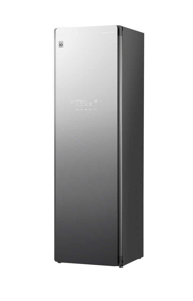 """LG Electronics' market-leading line of steam clothing care systems is expanding in 2020 with the all-new large-capacity """"LG Styler Plus,"""" featuring a new Tinted Black Mirror finish."""