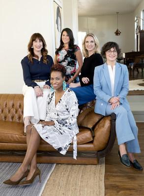 Los miembros del equipo de fundadoras de The 19th incluyen a: Amanda Zamora, cofundadora y editora; Errin Haines, editora independiente; Andrea Valdez, jefa de redacción; Emily Ramshaw, cofundadora y CEO, y Johanna Derlega, directora general de ingresos.