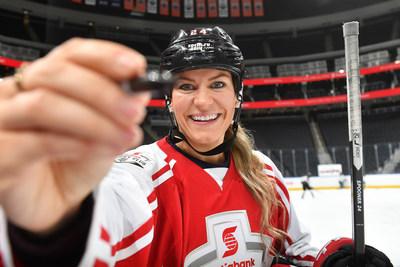 La Banque Scotia est fière que la joueuse étoile canadienne Natalie Spooner vienne grossir les rangs de ses hockeyeurs commandités. (Groupe CNW/Scotiabank)