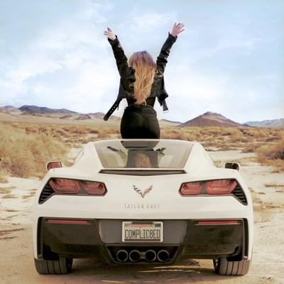 Taylor Grey Celebrates 2020 with New Single «COMPLIC8ED»