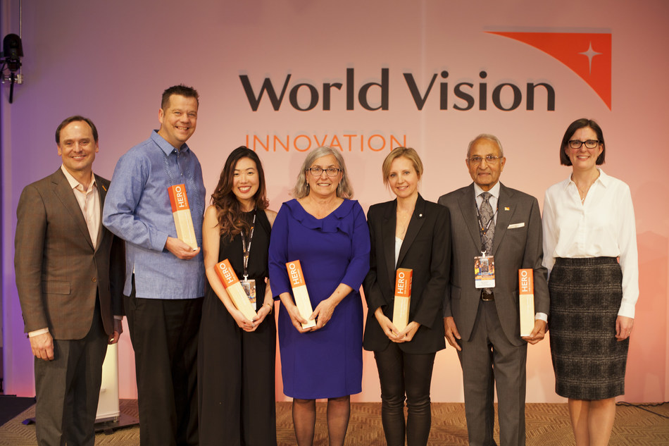 World Vision Canada's Heroes for Children Award recipients from left to right: Michael Messenger, President and CEO, World Vision Canada, Pastor Ed Buller, Cherie Wai, Maria Martini, Dr. Samantha Nutt, Don Joshua, Suanne Miedema, Chair, World Vision Canada Board of Directors (CNW Group/World Vision Canada)