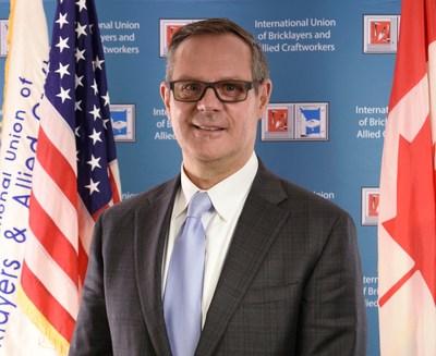 Robert Arnold, secretario-tesorero del Sindicato Internacional de Albañiles y Oficios Afines (PRNewsfoto/International Masonry Training )