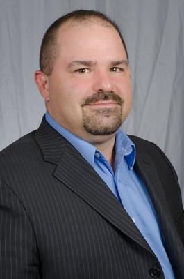 Anthony DiPerna, director nacional de Formación de Aprendices y Capacitación de la Fundación Internacional de Educación y Capacitación en Albañilería (PRNewsfoto/International Masonry Training )