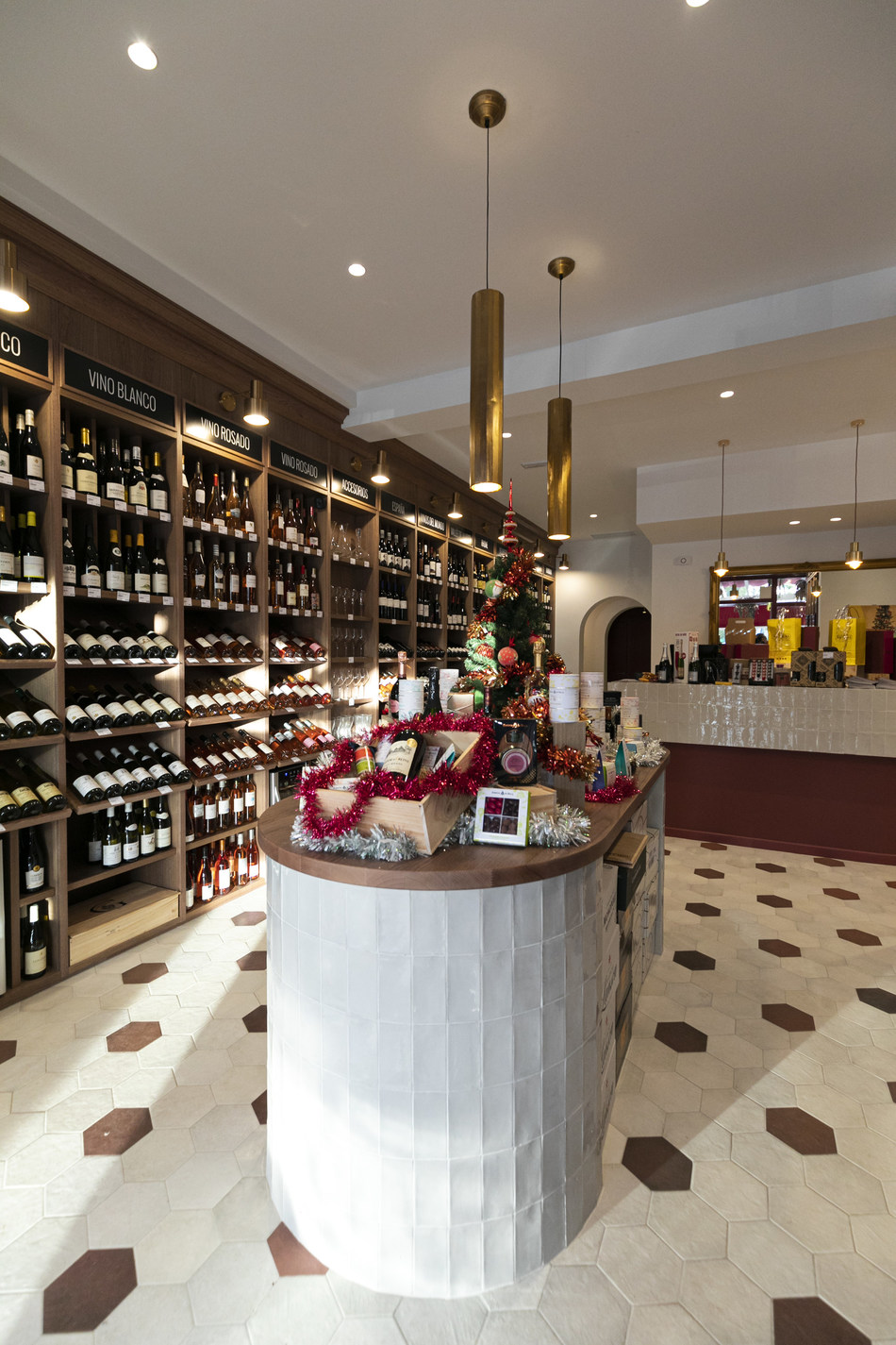 Franchise Nicolas new store (PRNewsfoto/NICOLAS)