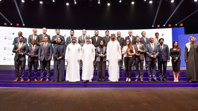 HH Sheikh Ahmed bin Mohammed bin Rashid Al Maktoum, Chairman of the Dubai Media Council, and members of the Board of Trustees of Suqia with winners of the 2nd Mohammed bin Rashid Al Maktoum Global Water Award.