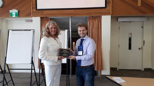 Nancy Lefebre received the Sharon Carstairs Award of Excellence in Advocacy from the Quality End-of-Life Care Coalition of Canada (QELCCC). (CNW Group/SE Health)