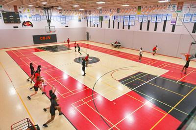 Parmi les nouvelles installations maintenant accessibles aux citoyens et organismes, on compte un gymnase double. (Groupe CNW/Ville de Montréal - Arrondissement Rivières-des-Prairies - Pointe-aux-Trembles)