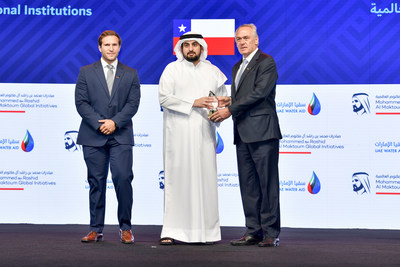 HH Sheikh Ahmed bin Mohammed bin Rashid Al Maktoum awards Plasma Waters the second place in the Mohammed bin Rashid Al Maktoum Global Water Award in the Innovative Research and Development category – International Institutions