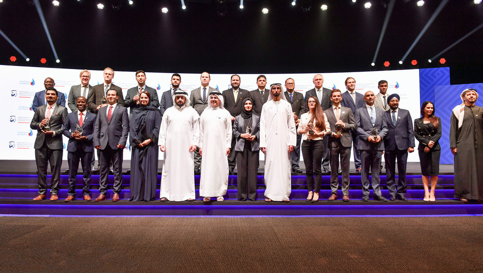 HH Sheikh Ahmed bin Mohammed bin Rashid Al Maktoum awards GivePower foundation and Zero Mass Water, Inc. first and third place of the Innovative Projects Award - Small Projects category of the Mohammed bin Rashid Al Maktoum Global Water Award