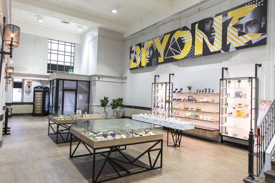 Now open Meta Cannabis Co. store located in the heart of the city at 378 Yonge Street, Toronto, ON. (CNW Group/National Access Cannabis Corp d/b/a Meta Growth)