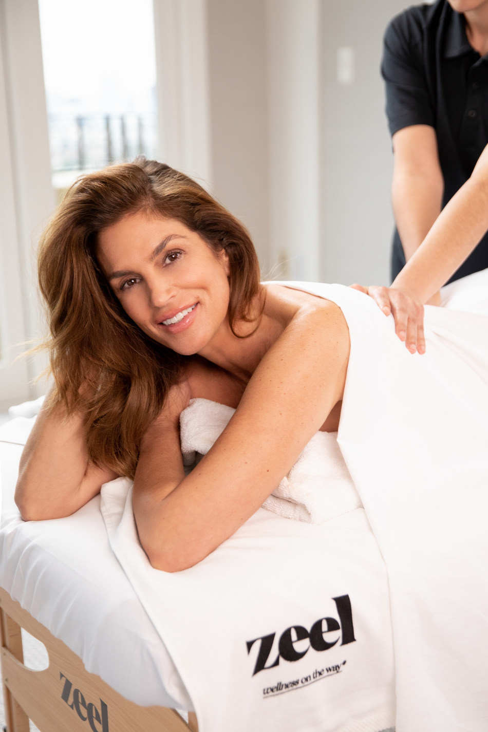 Cindy Crawford Says Zeel Is At The Heart Of A Perfect Valentine's Day