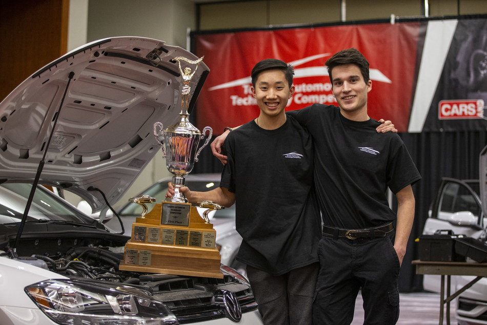 Anthony Vecchiarelli and Alexander Liao from St. Brother André Catholic High School in Markham, Ontario won the 21st annual Toronto Automotive Technology Competition on February 12, 2020. (CNW Group/Cars and Jobs)