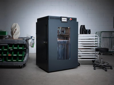 The AON-M2 2020 is a high-temperature industrial 3D printer designed for printing ultra high-performance plastics, including polycarbonate, PEEK, PEKK, ULTEM™, and more. (CNW Group/AON3D)