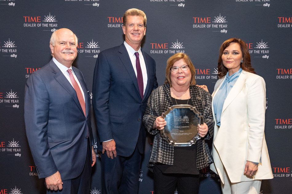 Susan Moffitt of Porsche in Shreveport, La. is the 2020 TIME Dealer of the Year. Moffit is pictured here with NADA President Peter Welch, Ally Auto Finance President Doug Timmerman and Susanna Schrobsdorff, executive editor and chief partnerships officer of TIME