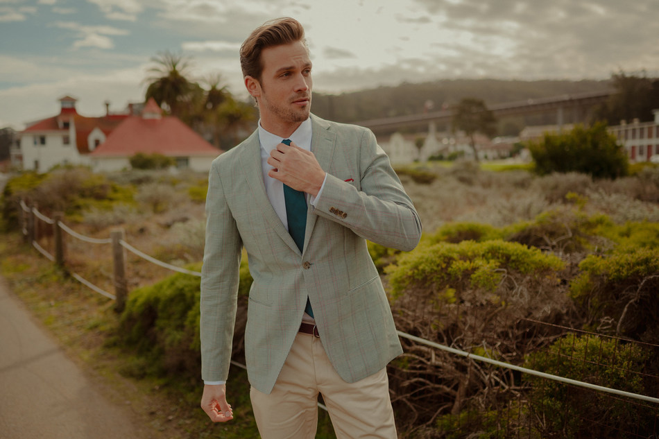 INDOCHINO's range of custom suits, blazers, vests, shirts, pants and outerwear features styles for any occasion—from lightweight wools, cottons and linens to updated plaids, stripes, and novelty prints. (CNW Group/Indochino Apparel Inc.)