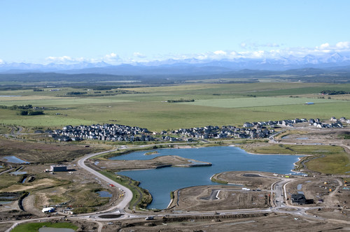 Qualico Communities and Bordeaux Developments, co-developers of the community of Harmony announce an agreement with spa developer Groupe Nordik to construct its fourth Canadian spa in the award-winning development of Harmony, a residential community at the foot of the Rocky Mountains between Calgary and Banff National Park. (CNW Group/Qualico Communities)