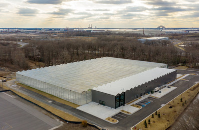 Gotham Greens' new 100,000 square foot hydroponic greenhouse in Baltimore will provide a year-round supply of fresh produce to retail, restaurant and foodservice customers across 10 states throughout the Mid-Atlantic and Southeast regions.