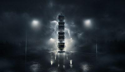 Volvo presenta cuatro camiones nuevos apilándolos uno encima de otro en un vídeo spectacular