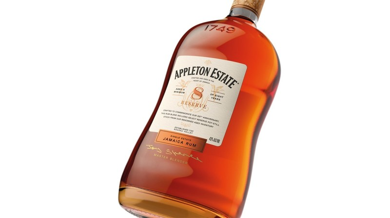 The new Appleton Estate 8 Year Old Reserve and the redesigned packaging celebrating vibrant Jamaican excellence. (CNW Group/Appleton Estate Jamaica Rum)