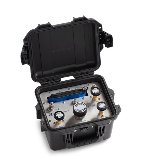 The Ralston ControlPak is a precision manual pressure controller for compressed gas sources up to 3,000 psi (20 MPa).