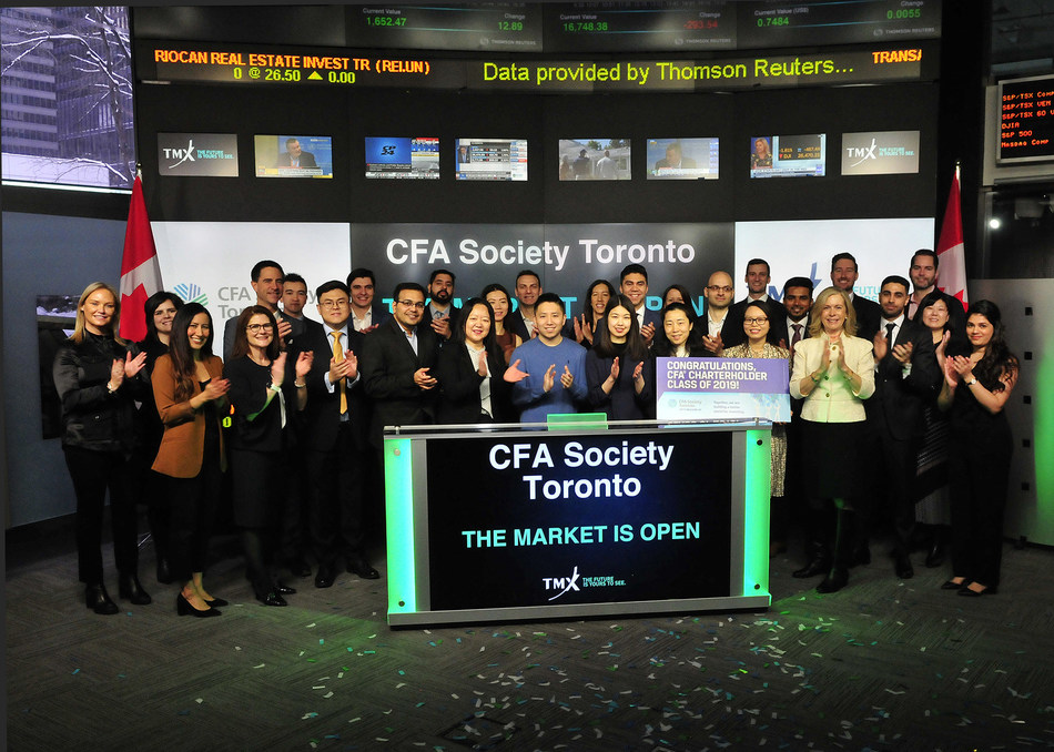 Ảnh 5: CFA Society Toronto Opens the Market