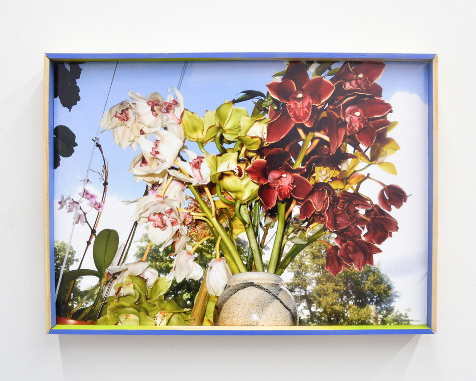 Marisa Kriangwiwat Holmes, Flowers For, 2019. Inkjet print, paint, custom frame, 50.8 x 71.12 cm (CNW Group/Scotiabank)