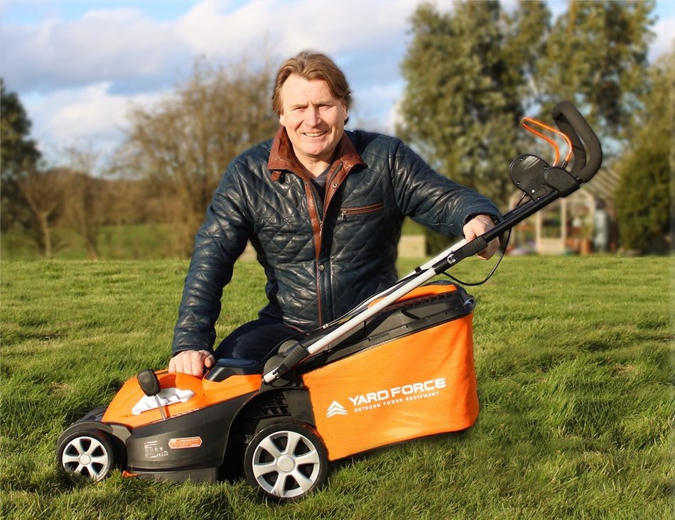 TV Gardener & Chartered Horticulturist, David Domoney, partners with Yard Force® UK to bring their range of powered garden tools to the everyday gardener