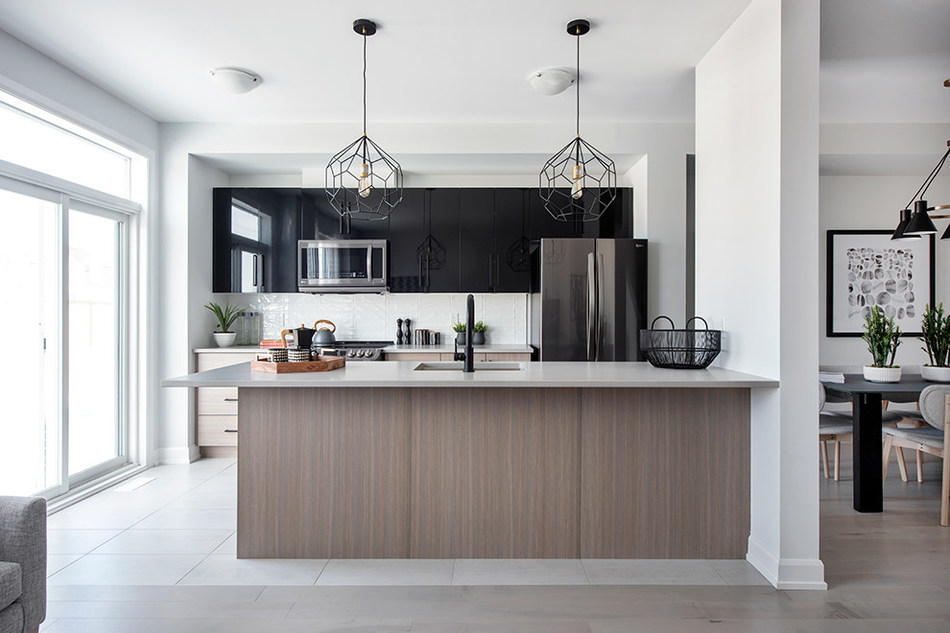 The kitchen in the Monterey Executive Townhome (CNW Group/Minto Communities)