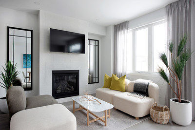 The living room in the Laguna Executive Townhome (CNW Group/Minto Communities)