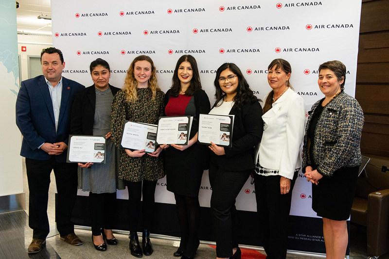The winners of the inaugural Captain Judy Cameron Scholarship, awarded in partnership with the Northern Lights Aero Foundation, each receive $5,000 toward their studies in aviation. (CNW Group/Air Canada)