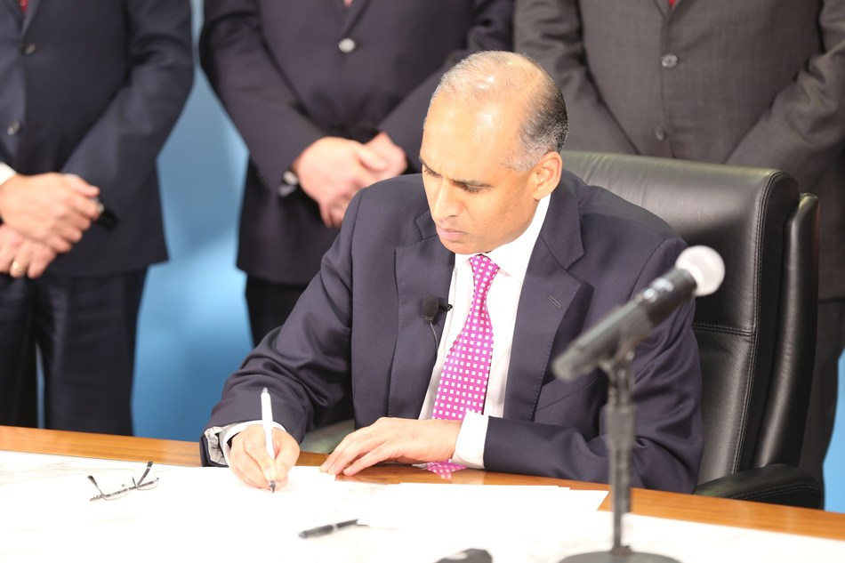 LyondellBasell CEO Bob Patel signs definitive agreements with the Liaoning Bora Enterprise Group (Bora) to form a 50:50 joint venture, Bora LyondellBasell Petrochemical Co. Ltd.