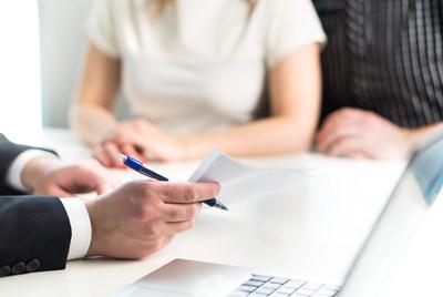 El proyecto de ley de California 1140 exige a 40,000 preparadores de impuestos presentar por adelantado sus honorarios e informar a los clientes sobre servicios gratuitos de impuestos en seis idiomas; algunos preparadores de impuestos están exentos.