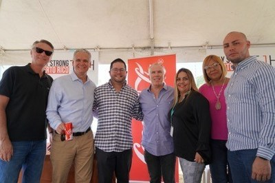 John Sweeney, Adrián Rivera, Nelson Torres, Thomas J. Henry, Leyda E. Cruz Berrios y amigos (Crédito de la foto: ©Gabriela García)