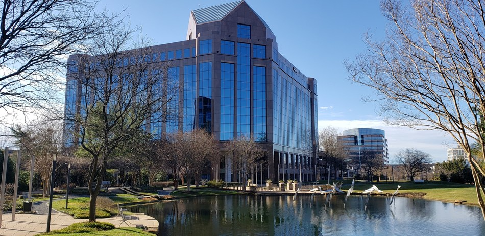 The new, state-of-the-art office at 2411 Dulles Corner Park (PRNewsfoto/Axios Systems)
