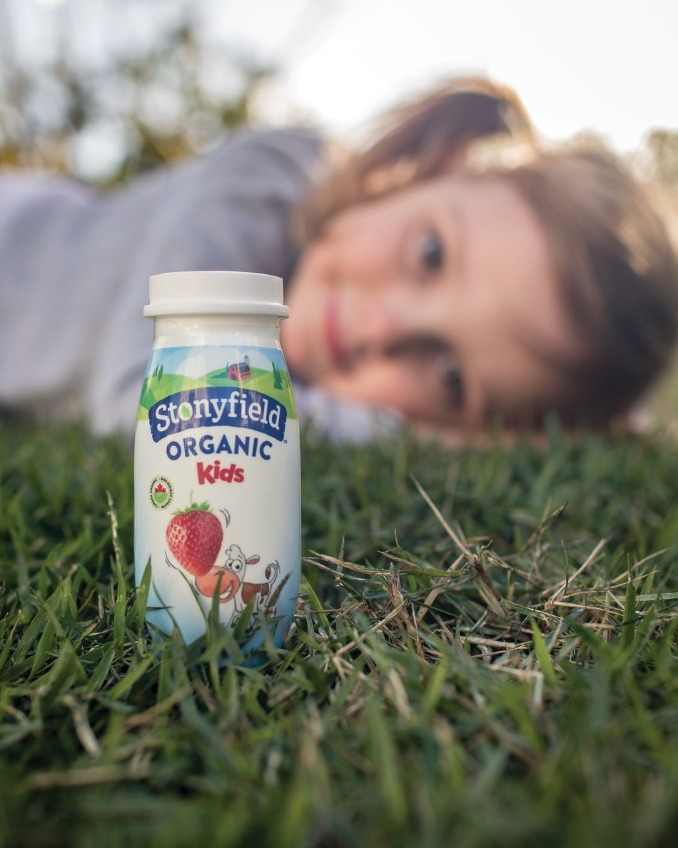 Stonyfield Organic Kids Drinkable Yogourt, great tasting and healthy portable snacks (CNW Group/Lactalis Canada)