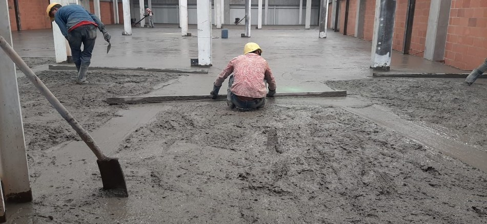 The second story being poured at Casa Flores. Comprised of both cultivation and manufacturing under one roof, this facility supports our commitment to quality and production efficiency. (CNW Group/Ikanik Farms Inc.)