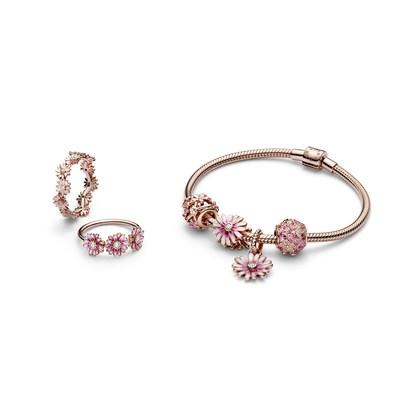 The new Pandora Garden collection (CNW Group/Pandora Jewelry, Inc.)